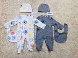 2020 borsette per bambini Ragazze dei neonati del pagliaccetto cotone a maniche lunghe tuta + Hat + Bib 3pcs / set infantile vestiti del bambino di lusso pagliaccetto rampicanti (3-18 mesi) borsette per bambini economici