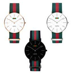 нейтральные женские часы Скидка Роскошные часы мода нейлон ультратонкие часы нейтральные часы простые красные зеленые полосы ремни унисекс женщины мужчины наручные часы 36 мм 40 мм C71702