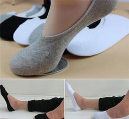 19 S1 Men s Socken Kostenloser Versand Neuheiten Herren Hausschuhe Socken Sox Baumwollmischung weiche beiläufige Invisible No Show 3 Farben Schwarz