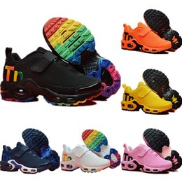 Wholesale Nike Mercurial Air Max Plus Tn hot Infant Kids Tn Scarpe da corsa Air Grey White Black Scarpe sportive per bambini Toddler scarpe da design Plus Rainbow Boy Girl Tns Sneaker