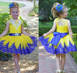 crows bow Coupons - Bright Yellow Tulle Short Little Flower Girls' Dresses with Bow Lace Applique Crew Neck Princess Party Birthday Gowns