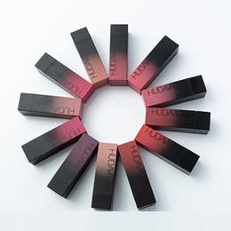 2019 venda por atacado original da composição 2019 maquiagem HUDA MOJI 12 cor batom conjunto copo antiaderente de longa duração à prova d 'água batom matte epacket frete grátis