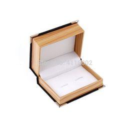 Poignet en bois en Ligne-50pcs / lot Top Qualité Faux Cuir Bois Grain Bouton Bouton De Manchette Lien De Manchette Emballage Boîte Cadeau Boîte Bouton De Manchette Boîtes