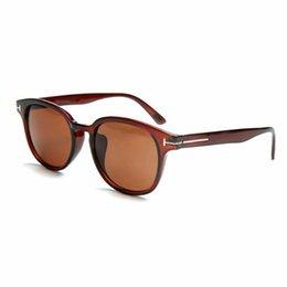 Янтарные очки онлайн-Круглые Линзы Солнцезащитные Очки Женщин Дизайн Популярные Градиентные очки Черный Янтарь Коричневый Солнцезащитные Очки Мода УФ Зеркало Очки TF0399