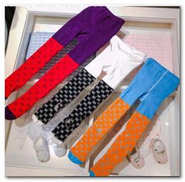 Marca crianças meias carta meninas de alta qualidade malha meias casuais 2019 primavera tarja meninos calça novas crianças de algodão basquete meias J0140 de Fornecedores de slip de renda de nylon