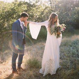 свадебные платья Скидка Новые чешские свадебные платья 2019 стиль страны Boho свадебные платья V шеи Flare колокол рукав кружева пляж свадебные платья халаты de mariée