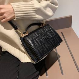 2019 nova bolsa de moda Pacote de comércio exterior moda carta pequeno saco quadrado 2019 nova retro bolsa em relevo tendência senhoras ombro Messenger bags nova bolsa de moda barato