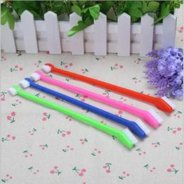 piccoli animali prodotti all'ingrosso Sconti Fashion Pet Supplies Gatto Cucciolo Cane Toothroom Toothbrush 4 colori PET consegnato in modo casuale