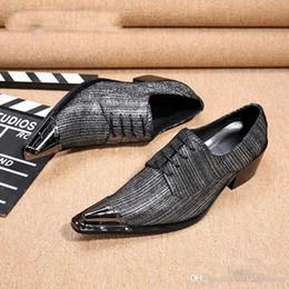 4d13954f152 Zapatos de vestir para hombre de cuero Partido de los hombres italianos  Oxfords Metal Punta estrecha Alta calidad Gris Hombres Zapatos formales