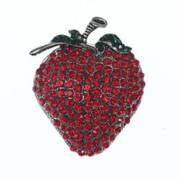 Épingles sûres en Ligne-100pcs / lot mignonne strass rouge fraise broche goupille ZInc alliage forme de fruits broches avec goupille de sécurité