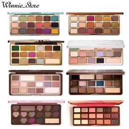 2019 pacotes de maquiagem por atacado Frete grátis ePacket! Maquiagem Chocolate Bar / doce Bon Bons / Semisweet / branco / ouro / melhor amigo / doce de pêssego / Gingerbread Eyeshadow Palette + presentes