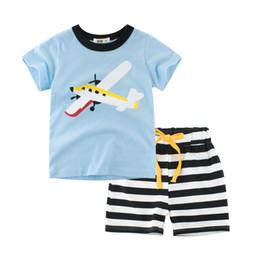 Camiseta de aviões on-line-Crianças dos desenhos animados Meninos conjunto de roupas T-shirt Tees de manga Curta + Calças Listras Ônibus Plano de Impressão de Verão Barato atacado 2019 Novo