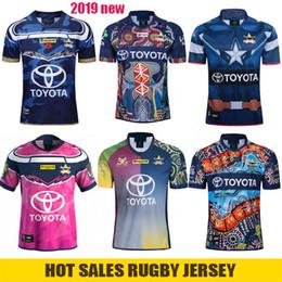 mochilas femininas Desconto NORTE QUEENSLAND COWBOYS Rugby Jersey Cowboys 2019 Homens Mulheres Camisas De Defesa Indígena Johnathan Thurston 2018 Premiership Testimonial