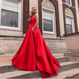 2019 diamante vermelho vestidos de baile Venda quente vermelho vestido de baile com bolsos com decote em v spaghetti strap a linha de cetim vestido de formatura diamantes varrer trem mulheres formal party dress desconto diamante vermelho vestidos de baile