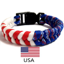 hizo el encanto de los eeuu Rebajas 20 pc / lot American Usa Flag Charm Paracord Survival Bracelet Sports Red White Hand-Made Pulseras Brazaletes Para Hombres Mujeres Joyas