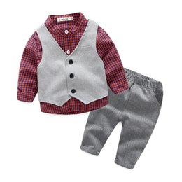Chemises de mariage bleu en Ligne-Gentleman Wedding Kids Clothes Shirt + gilet + pantalon 3pcs / set vêtements de bébé garçon ensemble J190427