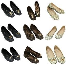 Appartamenti arco di design online-2019 scarpe firmate di marca donne di lusso autunno casual scarpe da donna tacchi piatti moda bow glittler scarpe punta rotonda morbido k suole donne 29 colori