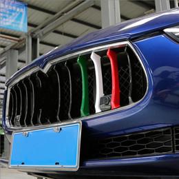 наклейка с логотипом chevrolet Скидка Стайлинга автомобилей Триколор Передняя решетка декоративные накладки АБС отделка наружной крышки Наклейка для аксессуаров Maserati Ghibli Quattroporte