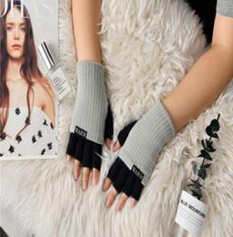 2019 фиолетовые кожаные перчатки Зима теплая женщины перчатки мода трикотажные перчатки половина палец для девочек-подростков студентов перчатки открытый спортивный инвентарь YL903