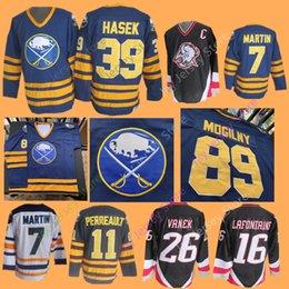 Buffalo Sabres Jerseys CCM Hóquei no Gelo 18 Danny Gare 26 Thomas Vanek  Dominik Hasek 77 Pierre Turgeon Alexander Mogilny Jersey Casa Fora 2c76dae19