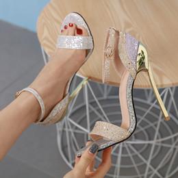 Jelly Sandals zapatos transparentes sandales à talons hauts doré Sexy bling chaussures Party Summer Thin à talons hauts plateforme sandales YMA853 ? partir de fabricateur