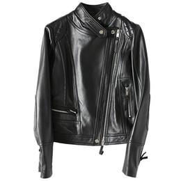 Новая мода натуральная кожа куртки для женщин весна классический короткий мотоцикл куртка черный дамы овчины пальто Z150 cheap ladies sheepskin coats jackets от Поставщики дамская овчина пальто куртки