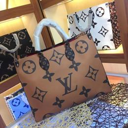 2019 yeni yüksek kalite M44571 M44576 moda lüks kadın deri Tasarımcısı ONTHEGO çanta Bayanlar Kadın Çantası Omuz çantası kahverengi ücretsiz kargo nereden