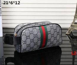 2019 design per servizi igienici Nuove donne 3Arrival viaggiare toilette borsa design delle donne lavare borse borsa grande capacità cosmetica trucco toilette borsa Borse da viaggio sacchetto design per servizi igienici economici