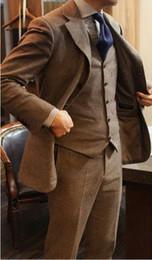 chaleco de moda marrón de los hombres Rebajas 2019 Moda Marrón Traje de Hombre Traje de Novio de Boda Esmoquin 3 Piezas 2 Botones Traje de Padrino de Boda Los Mejores Hombres Por Encargo (Chaqueta + Chaleco + Pantalones) Ropa de Negocios