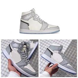 Новые релизы макияжа онлайн-С Box 2020 новый релиз 1 OG Высокий макияж х воздуха женщин Mens Basketball обувь Серый Белый кристаллический дно кроссовки Размер 36-45