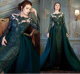 Laço esmeralda vestido de noite frisado on-line-2019 de luxo verde esmeralda mangas compridas vestidos de noite formais com trem destacável luxo lace frisada sereia vestidos de baile plus size