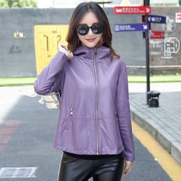 chaqueta de cuero mujer s morado Rebajas Chaqueta de cuero M-3XL de las mujeres 2018 Escudo de invierno de mujeres suelta más el encapuchado de cuero Outwear Sólido Negro rojo púrpura LY191210