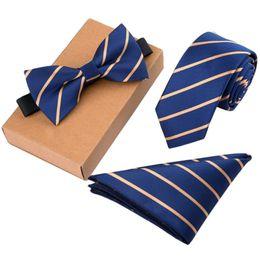 großhandel gestreifte krawatten für männer Rabatt Männer Fliege Set Geschäfts Krawatte mit Einstecktuch Geschenk-Kasten England-Art-Männer Plaid Bowtie Einstecktuch Einstecktuch Set Männlich