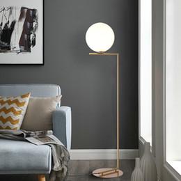 почтовые стенды Скидка 220 В 110 в Nordic Design Post современный золотой белый Meatl LED высокий торшер стенд свет со столом для гостиной Deauty салон