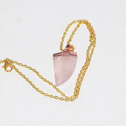 2020 pendente d'oro a forma di luna Naturale cristallo di quarzo rosa Gold Point donne collana pendente curativo corno collana femme 2019 luna forma catena di pietra come regali pendente d'oro a forma di luna economici