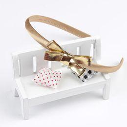 Зажим для волос для младенцев ручной работы онлайн-1PC Children PU Bow Headband Gold&Silver Princess Elegant Handmade Hair Bands for Baby Girls Hair Clip Accessories