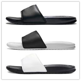 novidade flip-flops Desconto Mens Designer deslizar sandália novidade Floral Mocassins chinelo engrenagem fundos Falhanços de aleta listrado Praia Scuffs causal baratos sapatos chinelos de luxo