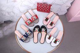 les meilleures sandales s'habillent Promotion 2019 Fashion Party Bee Casual Dress Out avec des chaussures de sport pour hommes et femmes Cool Sandals D'été Le meilleur choix Js Gg 35-42