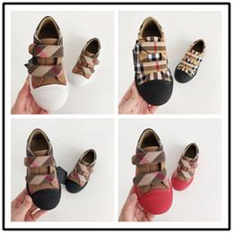 sapatos de bebê sola Desconto BURBERRY Verão Meninos e meninas sandálias sapatos de bebê criança chinelos Vaca Muscular sola moda crianças sandálias sapatos