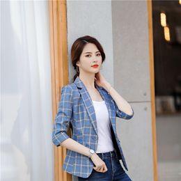 b9757e17bd Mode Plaid Formelle Demi Manches Blazers et Vestes Manteau 2019 Printemps  Été Femmes Blazer Outwear OL Styles Dames Tops Vêtements