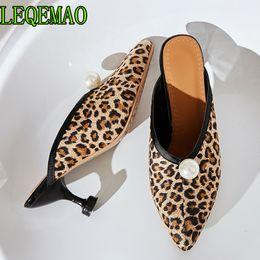 Argentina Zapatillas de mujer Zapatos de tacón alto Zapatos Mules Punta estrecha Zapatos de verano Mujer Tacones delgados Cadena Bead Bead Zapatillas Plus Size 34-43 cheap black slippers beads Suministro