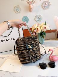 Mochila de ouro das senhoras on-line-Outono e inverno mais recente mochila de ouro preto de lã 19 designers de moda marca carta clássico senhoras bolsa de ombro luxurys bolsa das senhoras