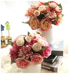Fiori dahlia di seta online-Fiori artificiali Bouquet 10 Testa Rose Dahlia Autunno Vivid Fake Flower Per Wedding Home Party Decorazioni natalizie Fiore di seta