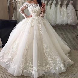robes à manches longues Promotion 2019 Nouvelles robes de mariée en robe fourreau décolletées à manches longues en dentelle longueur au sol en organza Plus la taille Robe de mariée