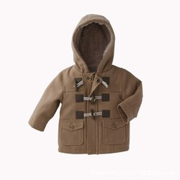 Meninos botão top on-line-Meninos da criança roupas de bebê meninos outono inverno tops patchwork Botão pacote com capuz casaco de inverno quente engrossar o casaco 0-5 T