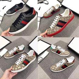 robe en or rihanna Promotion Dernières mode designer hommes de vente chaude chaussures mode loisirs chaussures plates loisirs confortable respirant haute qualité sport chaussures de sport
