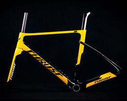 марка углерода для велосипедов Скидка incification продукта Марка: TRIDENT THRUST Наименование продукта: Carbon Road Frame Пользователь: Дорожные велосипеды Материал: Toray T1000 Carbon Fiber Цвет: черный