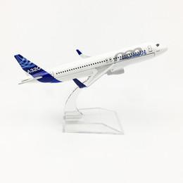 ornamenti piani Sconti In scala 1/400 Airbus A320 prototipo 16 cm in lega aereo modello giocattoli per bambini regalo per bambini per la raccolta