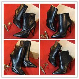 красная сексуальная обувь для женщин Скидка Женщины дизайнер загрузки Красное дно высокие каблуки заклепки шипованные обувь сексуальные Шипы сапоги женщины черный высокие каблуки ботильоны 11 см зимняя обувь w1