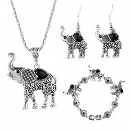 Conjunto de joyas de elefante para mujeres Retro Conjunto de joyas de Bohemia Los pequeños aretes de collar de aleación Conjuntos de joyas de animales desde fabricantes